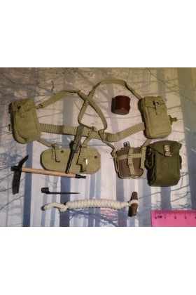 Dragon In Dreams DID 1/6 Scale WWII British Webbing & Cup from Charlie K80136B