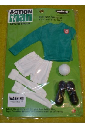 VINTAGE ACTION MAN 40th SPORTSMAN CARDED FOOTBALL CLUB GREEN TOP & WHITE SHORTS