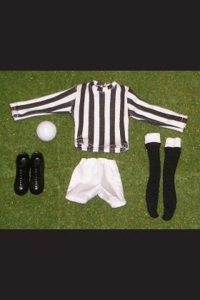 FOOTBALLER - SHIRT BLACK & WHITE - SHORTS WHITE - SOCKS BLACK - BOOTS - FOOTBALL