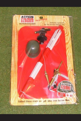 VINTAGE ACTION MAN 40th CARDED COMBAT SOLDIER THEODOLITE HELMET & GREASE GUN