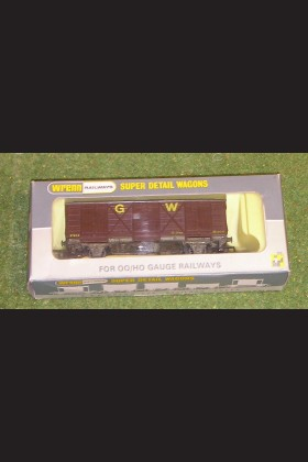 WRENN RAILWAYS OO GAUGE WAGONS W5049 FRUIT VAN G.W.