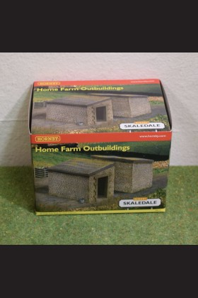 HORNBY RAILWAY OO GAUGE SKALEDALE R8610 HOME FARM OUTBUILDINGS