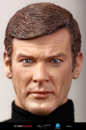 ROGER MOORE - JAMES BOND 007 - RM001