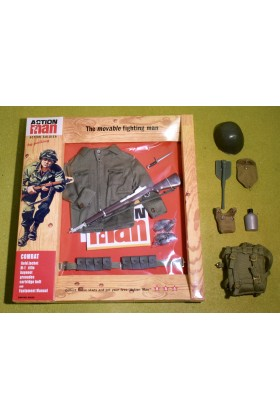VINTAGE ACTION MAN 40th CARDED ACTION SOLDIER COMBAT FIELD JACKET & ACCESSORIES